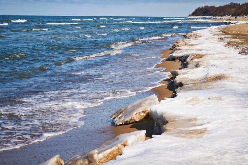 Śnieg nad morzem