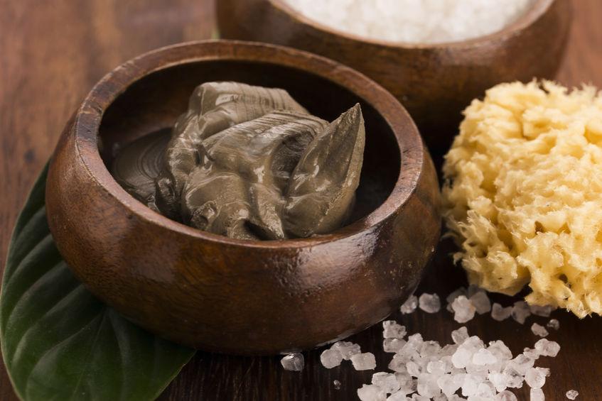 Borowina i kryształki soli SPA